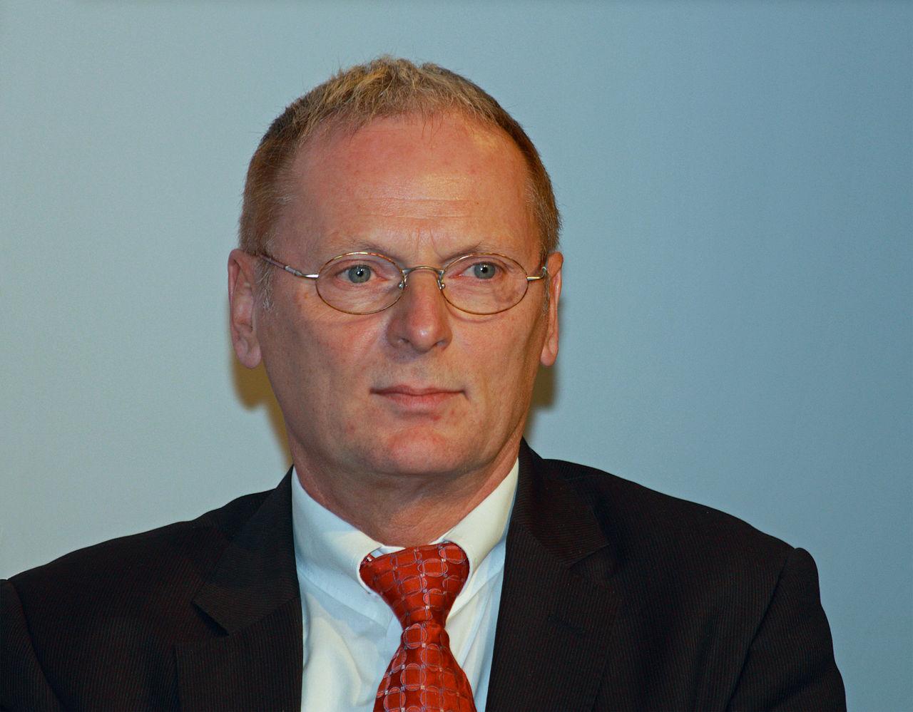Höhere Netzentgelte für Eigenversorger wünscht BNetzA Präsident Homann 1