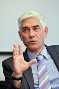 Dr. Bernhardt - Geschäftsführer EVF