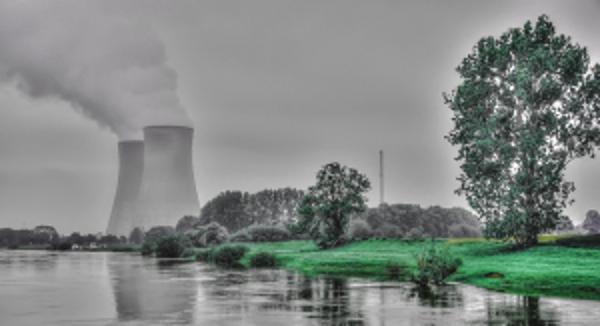 Dokumentation über ein Dorf, das die Energiewende vorlebt und dennoch einem Braunkohle-Tagebau weichen soll 1