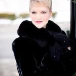 beautiful-young-woman-635271_1280