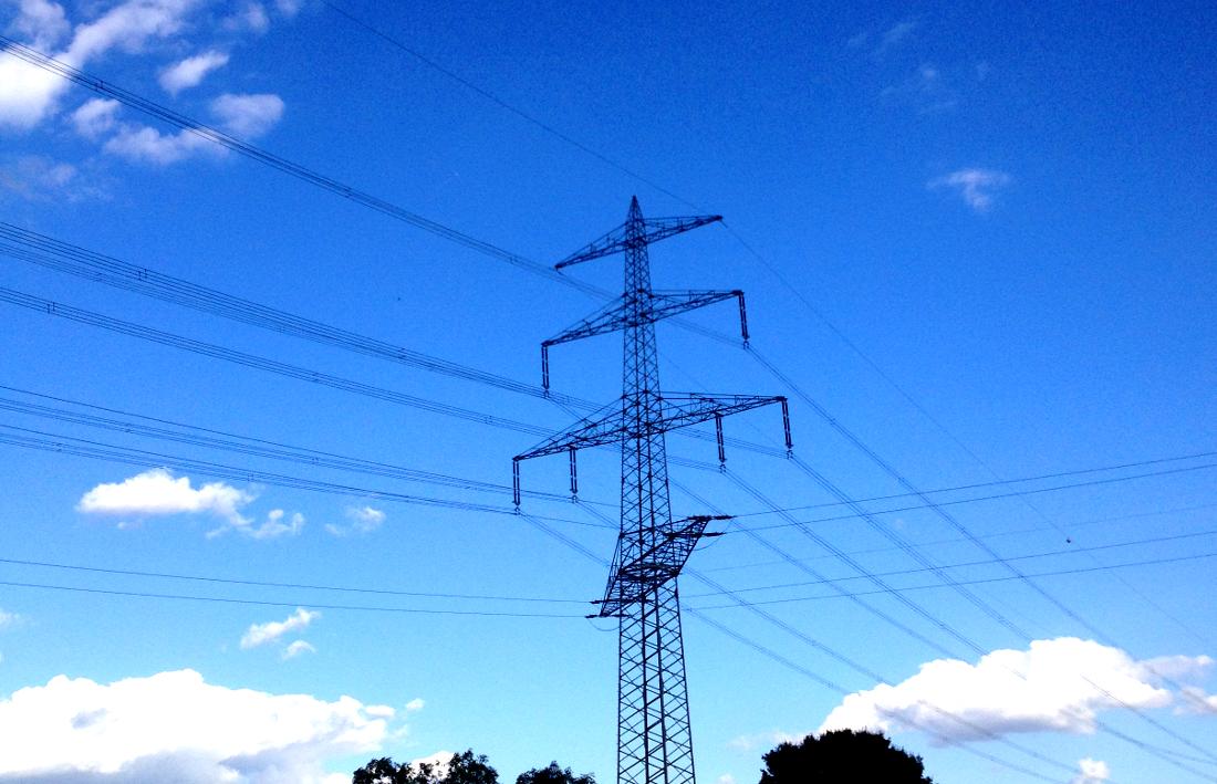 Sonnenspeicher zur Frequenzstützung in Brandenburg am Netz 1