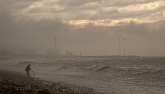 Review: Sturmtief Iwan kreuzt das Stromnetz 1